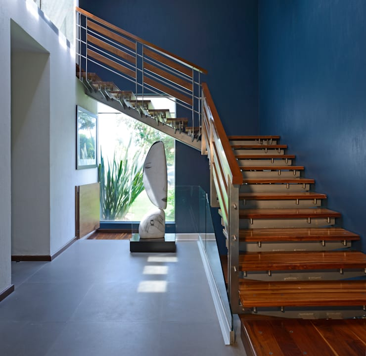 13 colores para decorar las escaleras - Decorar escaleras interiores ...