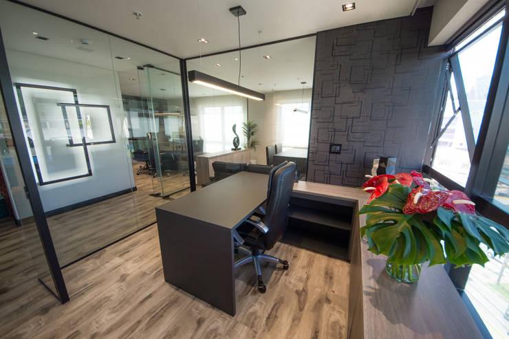 Escritório de Advocacia: Edifícios comerciais  por Secato Arquitetura e Interiores,Moderno