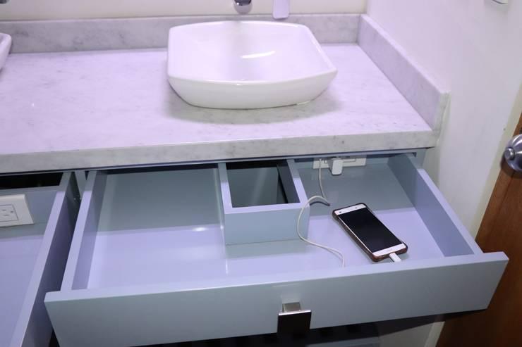 Baño: Baños de estilo  por Dharma Arquitectura