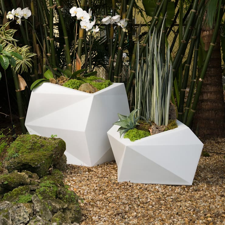 FRP Multidimensional Small Planter:  Hotels by Scube Creations,Classic