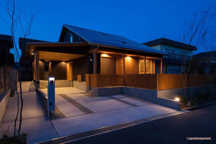 灯の家(とうのいえ)(La casa alumbrada): アグラ設計室一級建築士事務所 agra design roomが手掛けた家です。