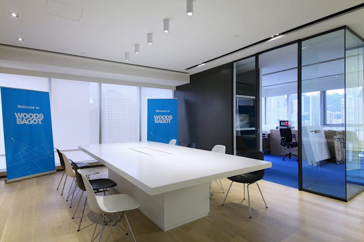 Meeting Area:  Offices & stores by FINGO DESIGN & ASSOCIATES LTD.