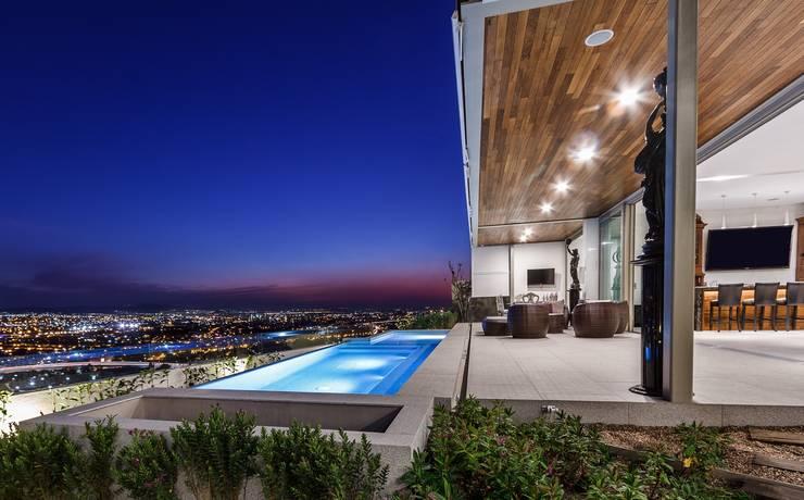 Alberca: Albercas de estilo  por Loyola Arquitectos