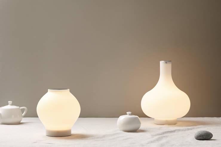 DAL (silicone lamp): (주)해야지 HAEYAJI Inc.의  침실