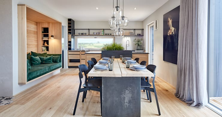 Country style dining room by Bau-Fritz GmbH & Co. KG Country