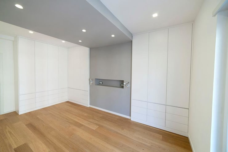 Dormitorios de estilo  por Falegnameria Grelli Danilo