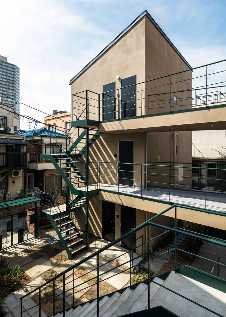 Holzhaus von Unico design一級建築士事務所, Ausgefallen