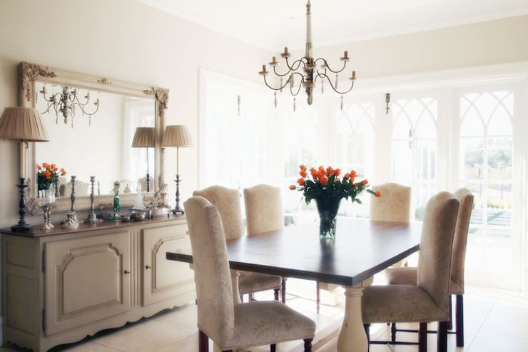 Saddlebrook Estate: classic Dining room by Vision Tribe