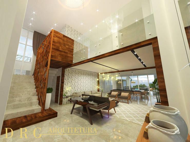 Sala de estar: Escadas  por DRG ARQUITETURA