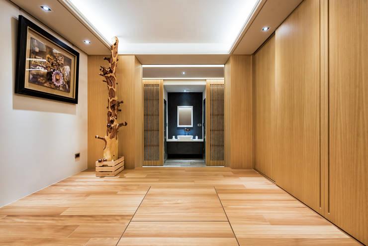 住空間-三峽:  書房/辦公室 by 青易國際設計