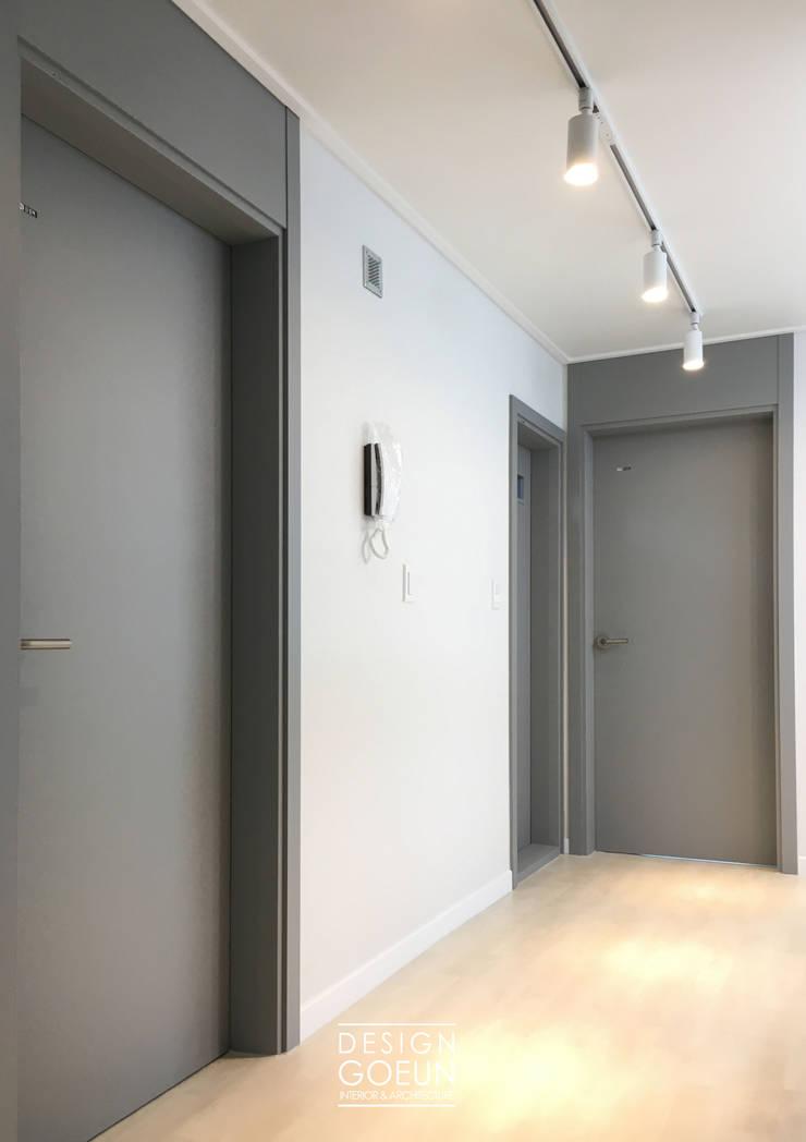 부천 은하마을 25평 리모델링: 디자인고은의  복도 & 현관,미니멀