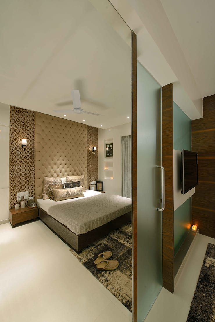 HEERA HIGH LIFE:  Bedroom by smstudio,Modern