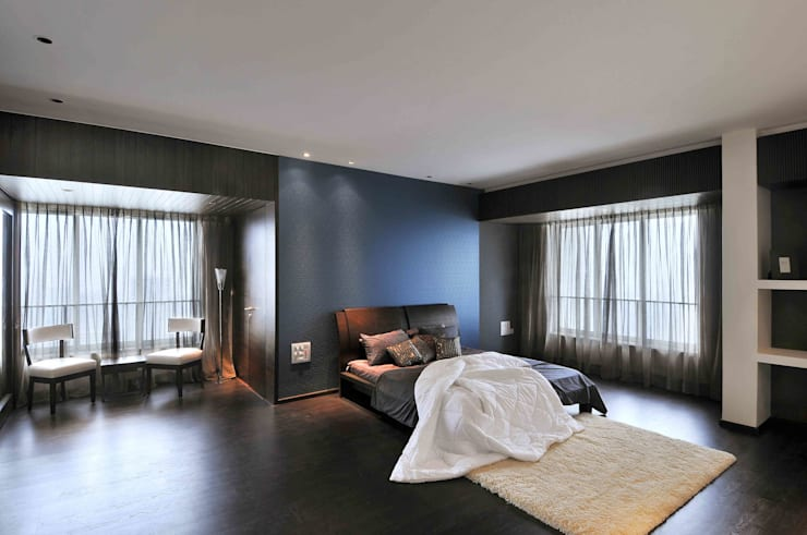 OZONE PENTHOUSE:  Bedroom by smstudio,Modern