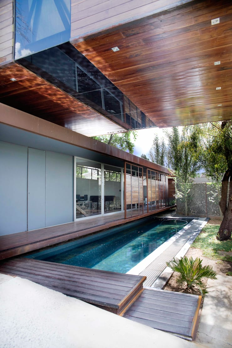 House Bloemfontein:  Pool by FAME Projects