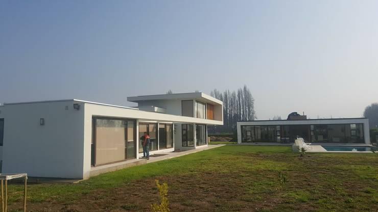 PROYECTO CASA ESPÍNOZA: Casas de estilo  por alvarez arquitecto