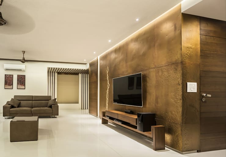 t.v. unit & background wall:  Living room by Design Paradigm