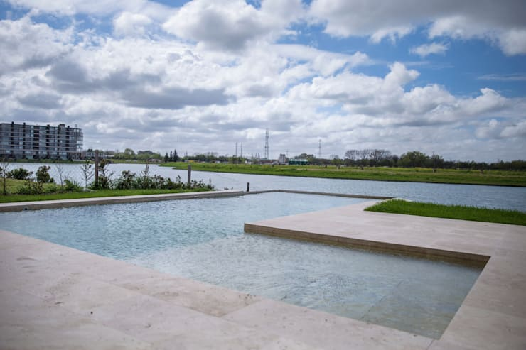 Estilo Moderno: Piletas de jardín de estilo  por CIBA ARQUITECTURA,