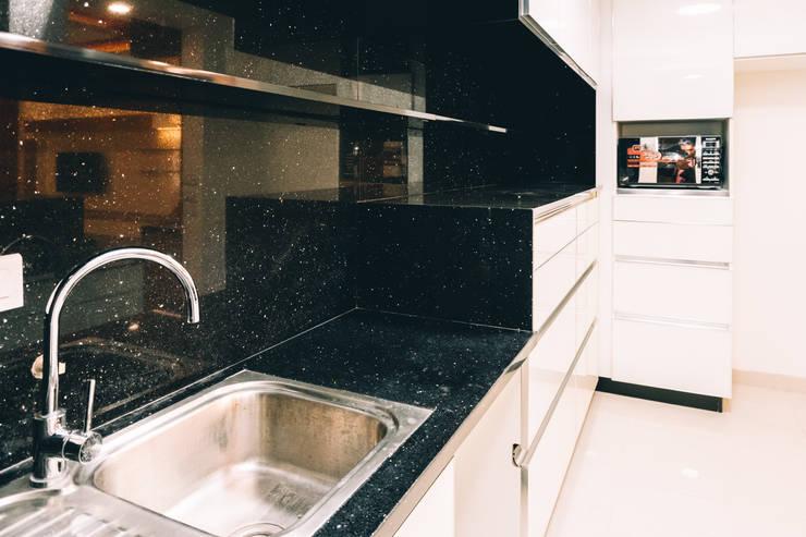 Kitchen Granite Slab -  Origami Spaces(Origamispaces.com) :  Kitchen units by Origami Space Design
