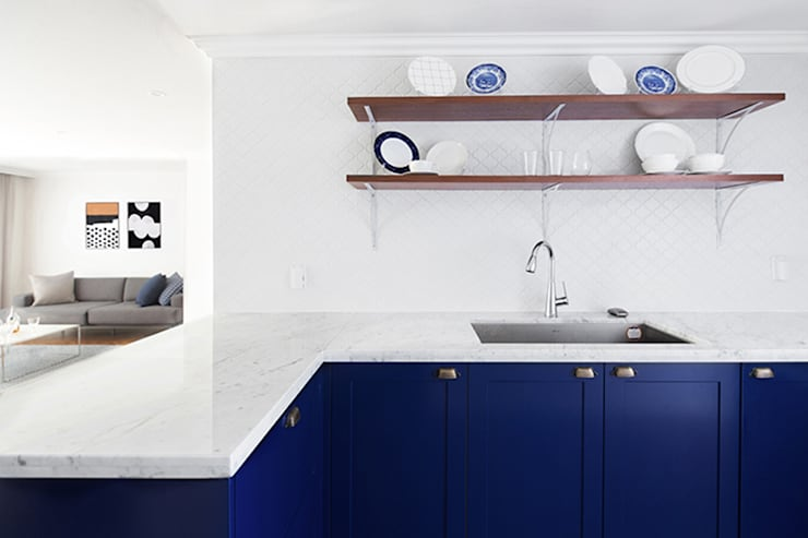 모던 클래식한 무드의 20평대 빌라 인테리어: husk design 허스크디자인의  주방,모던