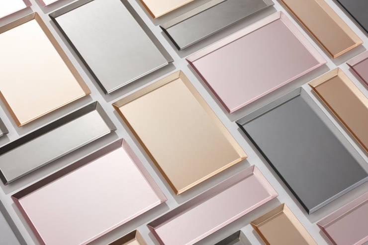 ALTRAY (aluminium tray): (주)해야지 HAEYAJI Inc.의  서재/사무실,