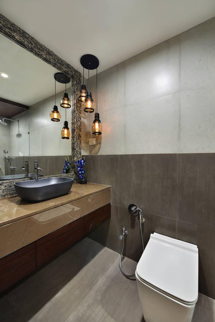 DAHANU- VIJAY GHODAWAT:  Bathroom by smstudio,Modern
