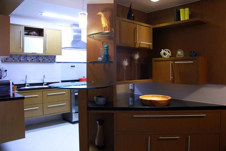 Sala integrada: Salas de jantar  por STUDIO CALI ARQUITETURA E DESIGN