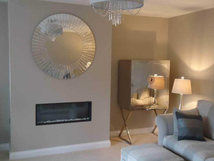 modern Living room by Ruth Turner Interior Design Ltd