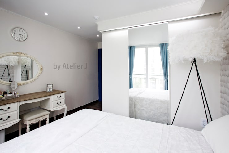 원 포인트로 20년된 20평대 아파트 리모델링 하기: Atelier J의  침실