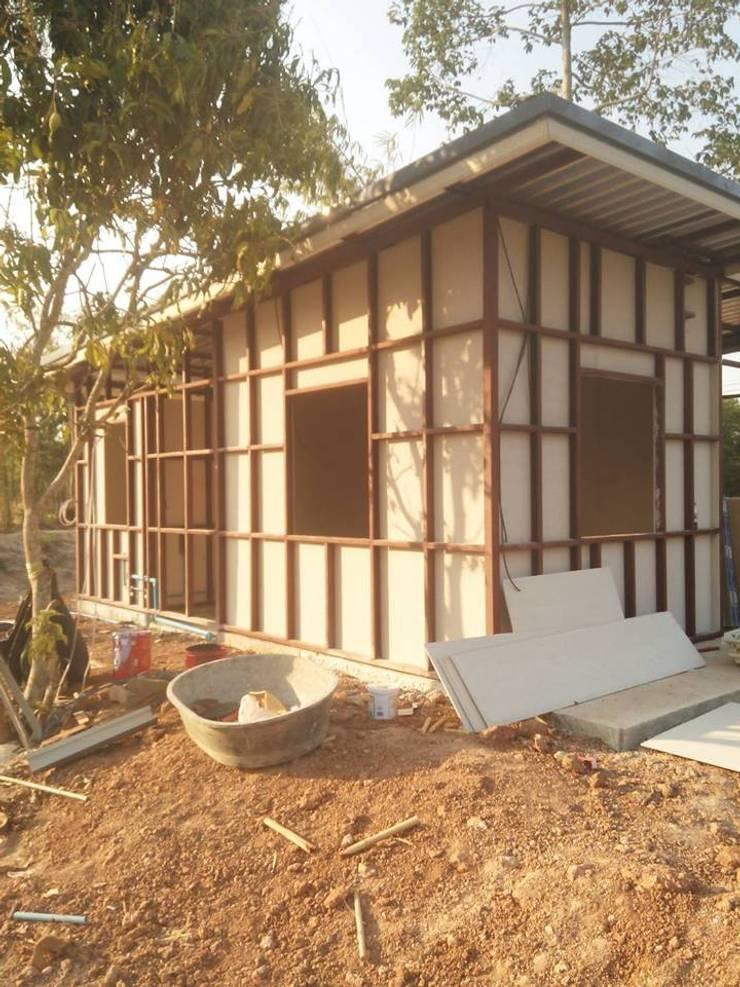 TYPE P MODERN 05 @ คำโตนด ปราจีนบุรี:  บ้านสำหรับครอบครัว by P Knockdown Style Modern