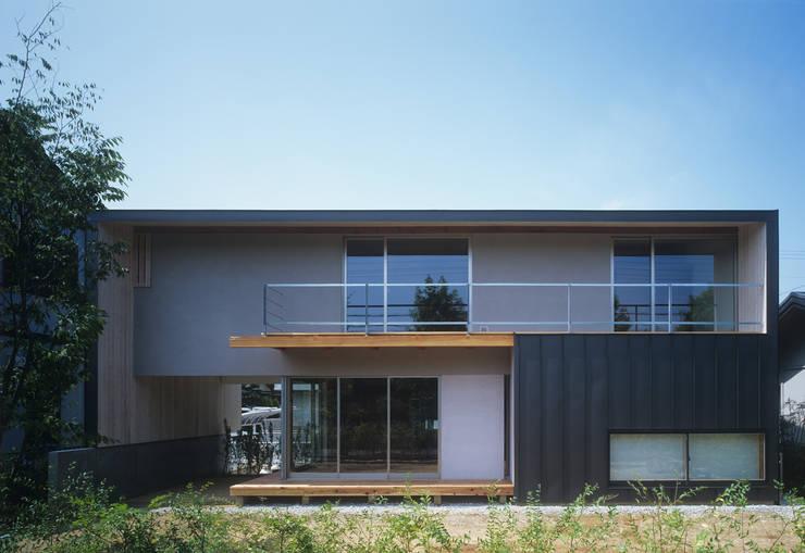 南庭の家 / House in Kobe: 杉山圭一建築設計が手掛けた木造住宅です。