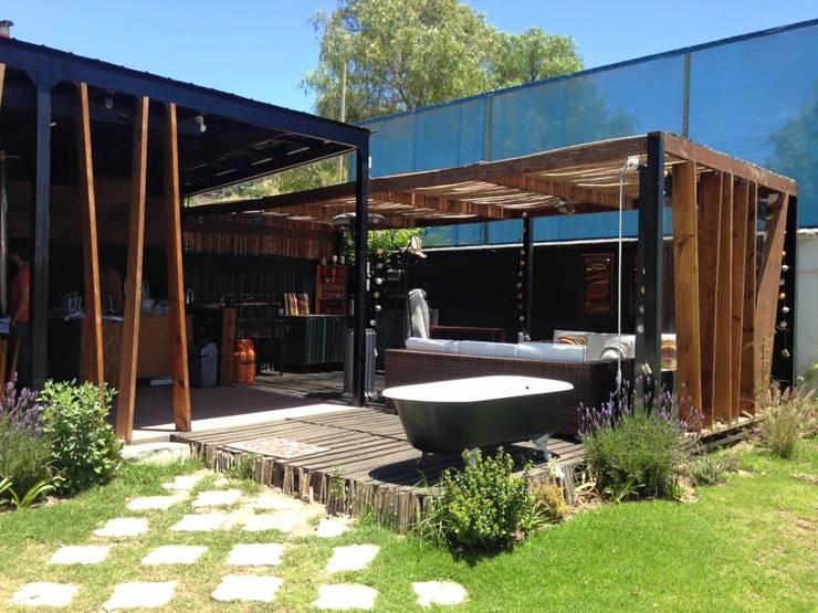 TERRAZA: Terrazas  de estilo  por arquiroots