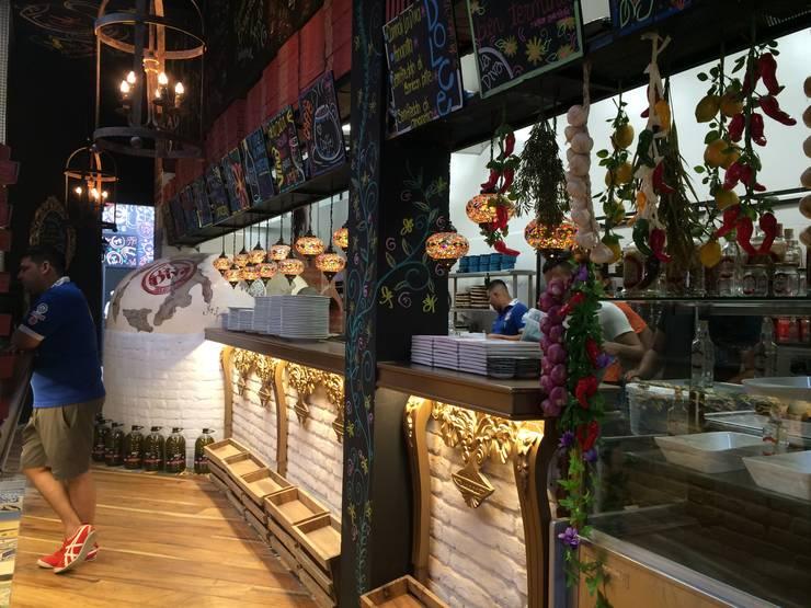 La Diva Cali: Locales gastronómicos de estilo  por Diseñador Paul Soto