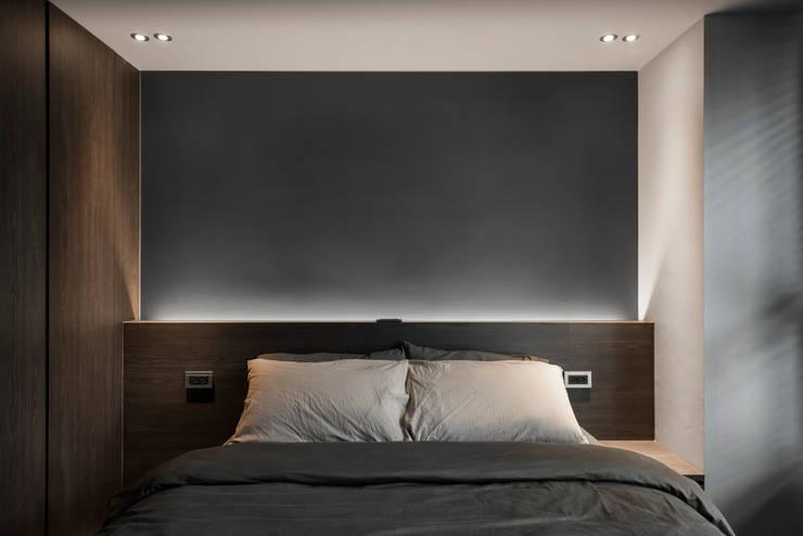 Bedroom :  臥室 by 湜湜空間設計