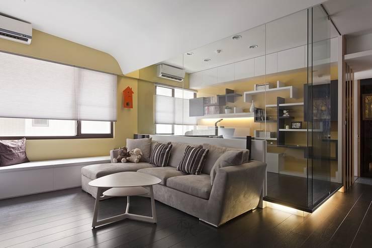 光源通透、無限放大的居家LOOK!:  書房/辦公室 by 禾光室內裝修設計 ─ Her Guang Design