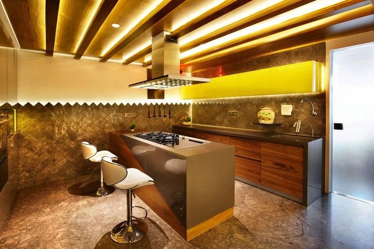 Wooden Modular Kitchen:  Kitchen by METRIKA MODULER SOLUTIONS PVT. LTD.