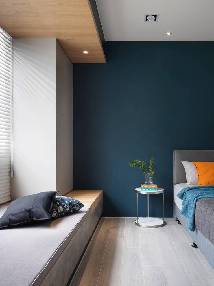 NEXT 1 :  臥室 by 夏沐森山設計整合