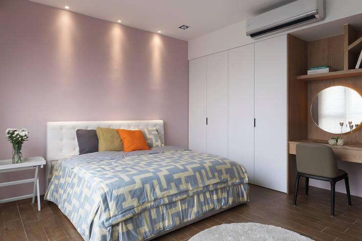 Phòng ngủ by 夏沐森山設計整合