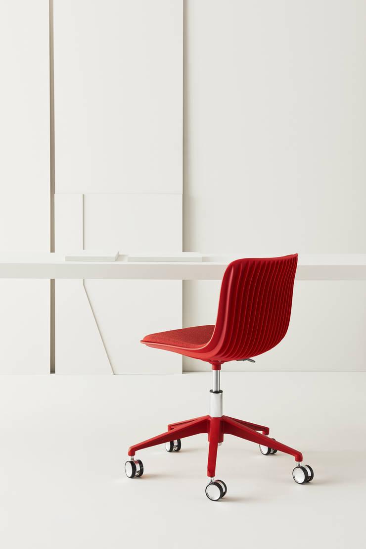 Office spaces & stores  by Segis Vietnam Co., Ltd