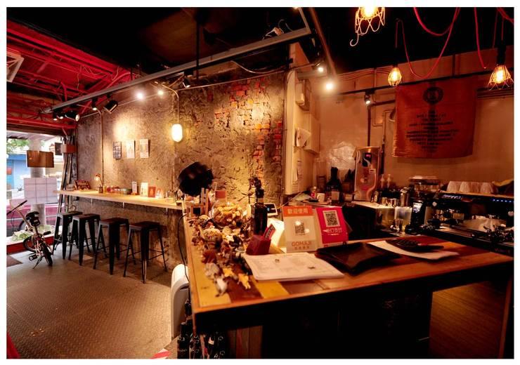 吧台 設計:  酒吧&夜店 by 艾莉森 空間設計