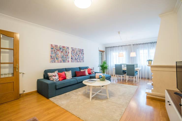 SALA: Salas de estar  por YS PROJECT DESIGN