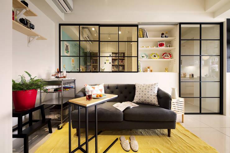 雖然空間小,細節卻不馬虎:  客廳 by 一葉藍朵設計家飾所 A Lentil Design