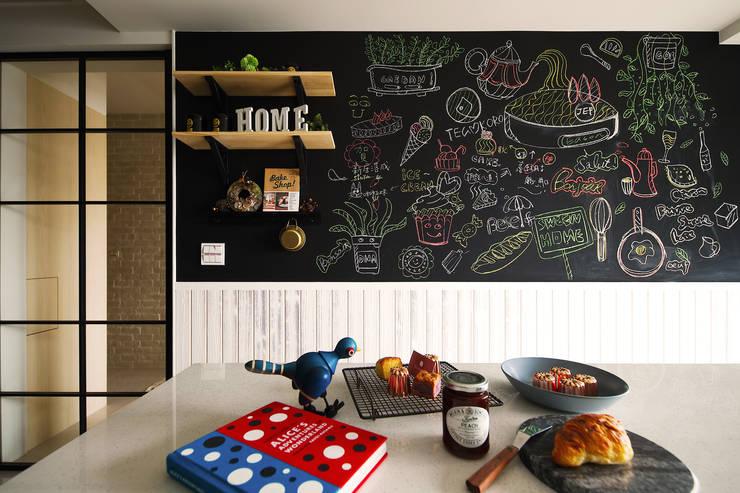 Nhà bếp phong cách Bắc Âu bởi 一葉藍朵設計家飾所 A Lentil Design Bắc Âu