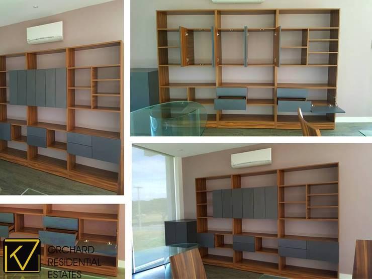 Modern Modular Kitchen:  Study/office by Kat Interior and Design