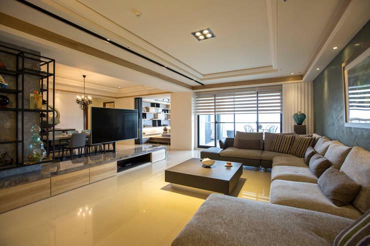 富立建設/耘非凡-旅程藍圖:  客廳 by SING萬寶隆空間設計