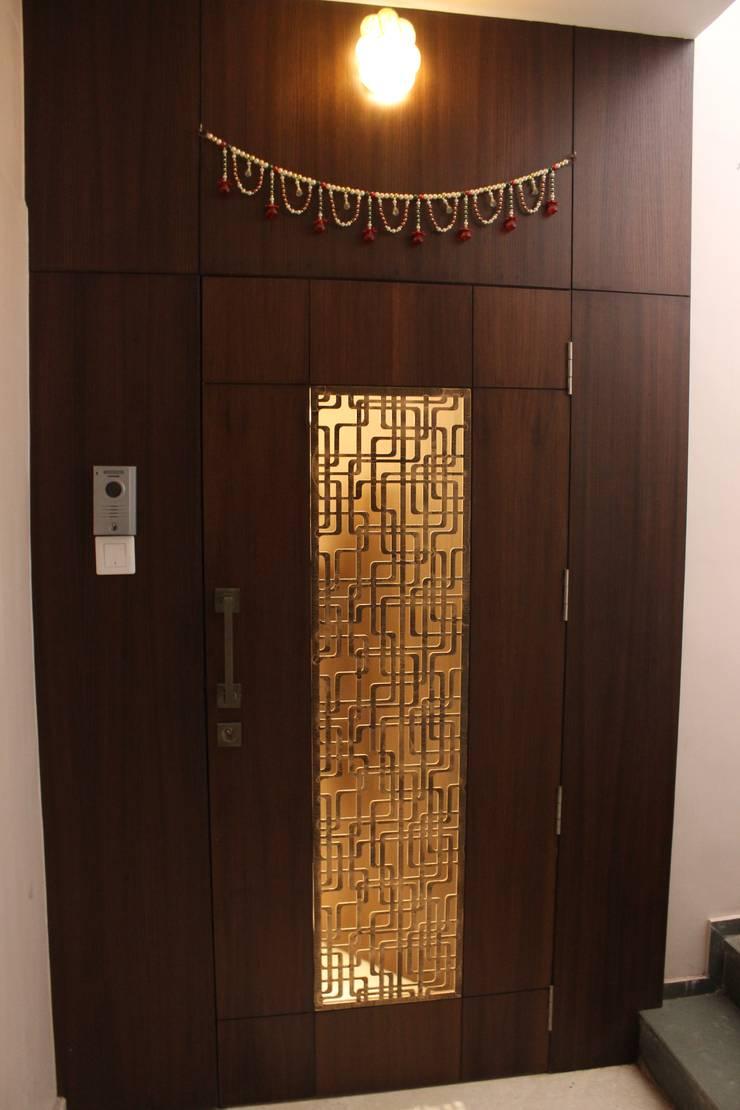 Tamhane Residence Interiors:  Doors by Vangikar Architects,Modern