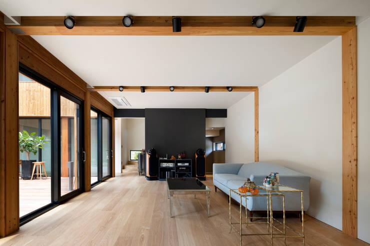운중동 주택: 건축사사무소 ids의  거실,