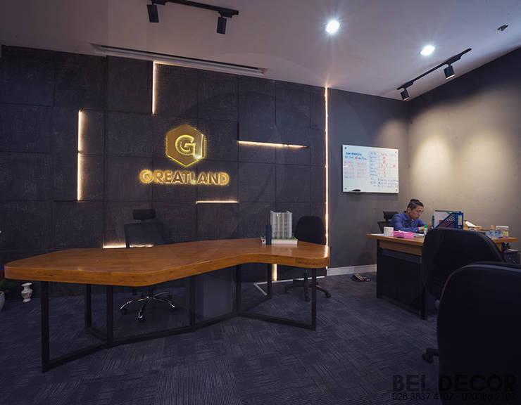 HÌNH ẢNH THI CÔNG HOÀN THIỆN NỘI THẤT INDUSTRIAL OFFICE:   by Bel Decor