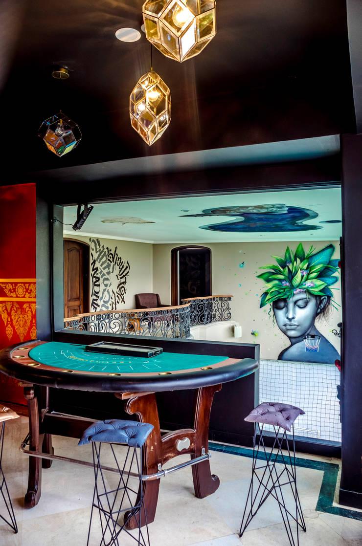 CASA MANTYX : Habitaciones de estilo moderno por Aluzina