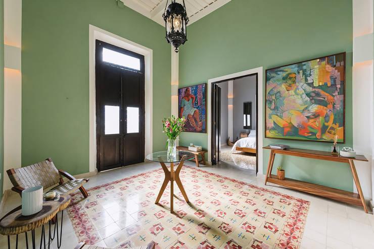 Recibidor: Pasillos y recibidores de estilo  por Workshop, diseño y construcción