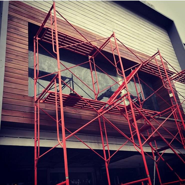 Hangover House of Soju :  Kantor & toko by Elora Desain